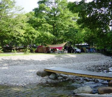 川沿い林間サイト2006_08060005-372x324